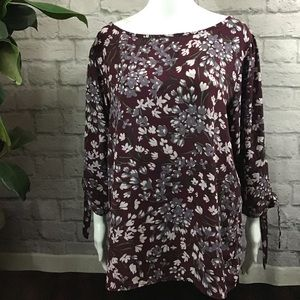 🍰 SALE! 3/$20 LOFT dark red floral XL blouse top